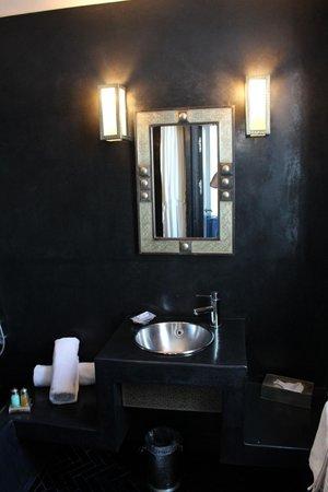 Fontaine Bleue: Salle de bain