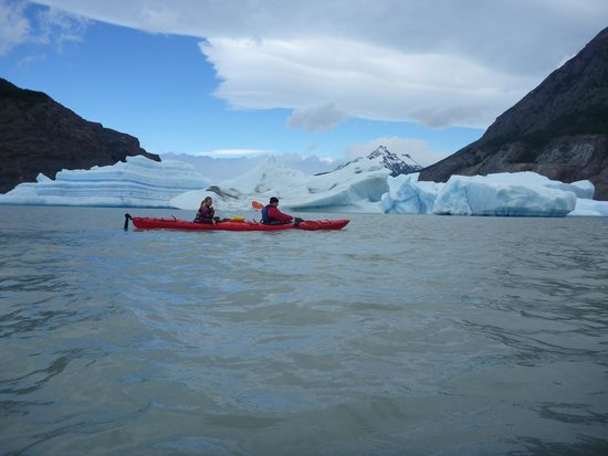 Torres del Paine National Park: Kayaking near the ice flow  Not too close