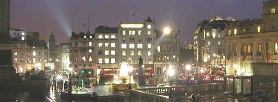 Trafalgar Square : TS