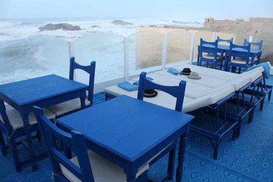 Fontaine Bleue: Terrasse avec vue directe sur l'océan