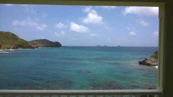 Auberge de la Petite Anse : Petite anse au fil de la journée.1