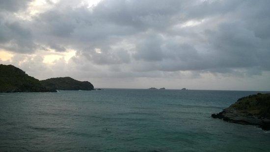 Auberge de la Petite Anse : Petite anse au fil de la journée.2
