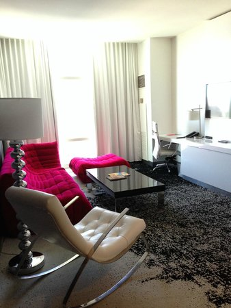 The Palms Casino Hotel: ivory suite