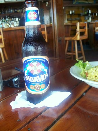 Eagle Rays Bar & Restaurant: and more cold beer!