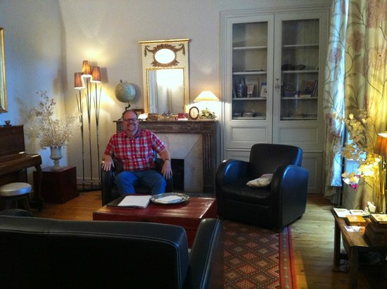 Hotel Particulier Poppa: The parlor, where one could relax and visit with other guests
