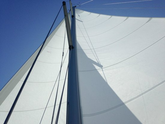 Miami Sailing - Private Day Charters: Under full sail - and ocean sailing