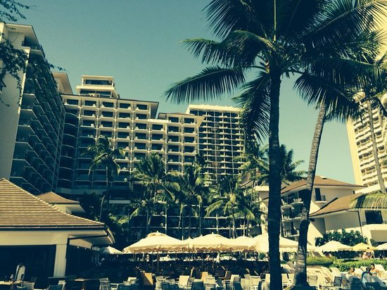 Waikiki Parc Hotel: View of hotel from beach