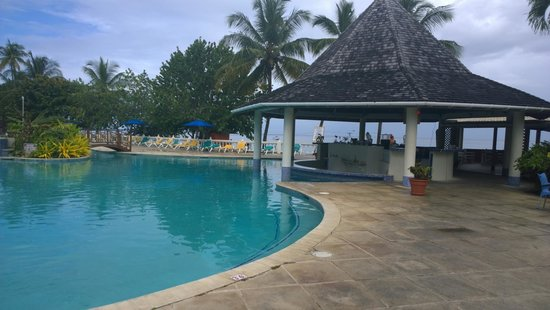 Turtle Beach by Rex Resorts: pool area