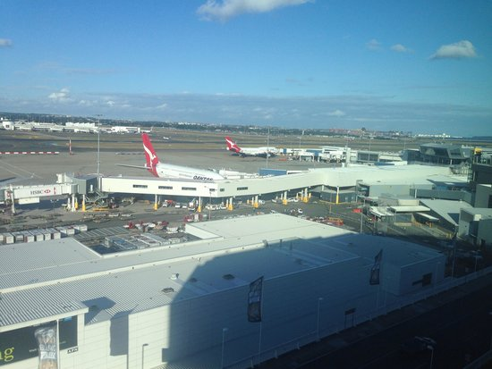 Rydges Sydney Airport Hotel: View from room 717