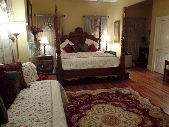 Green Palm Inn : Quaint Room
