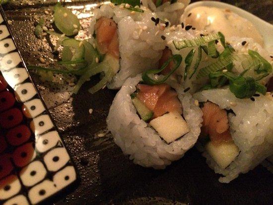Munchie : Makis saumon fume poire
