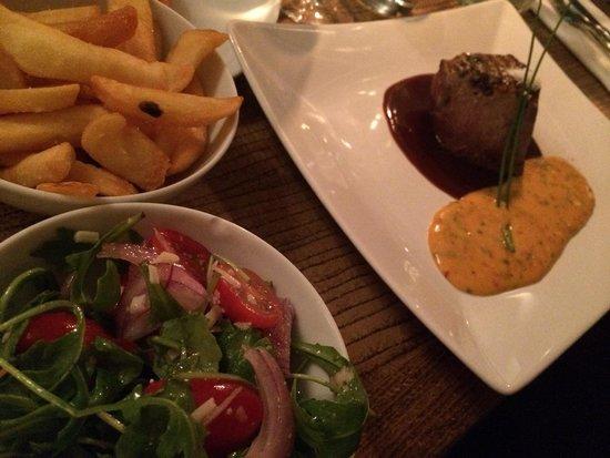 Munchie : Filet de bœuf angus , vin rouge et béarnaise