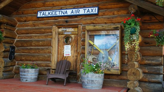 Talkeetna Air Taxi: Front of building