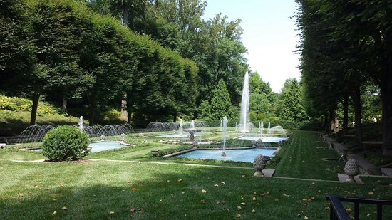 Longwood Gardens : One of many fountains