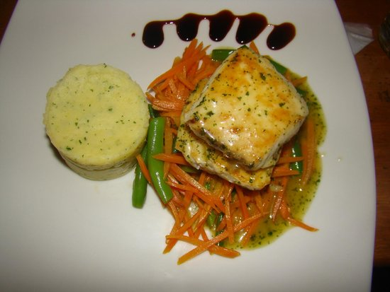 Pelikan View Restaurant: atun con salsa de vino y maracuya!
