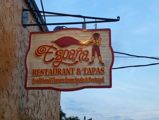 Espana Restaurant & Tapas: Sign in front of restaurant