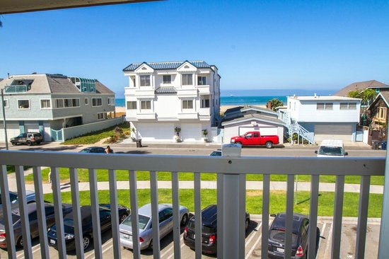 Ocean Surf Inn & Suites: Ocean View Rooms