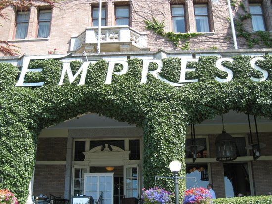 The Fairmont Empress : The iconic front