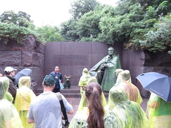USA Guided Tours: Roosevelt memorial park in the rain
