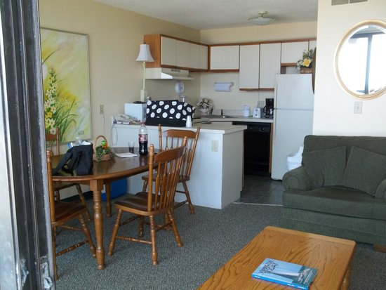 Atlantic Towers: Living room /kitchen area