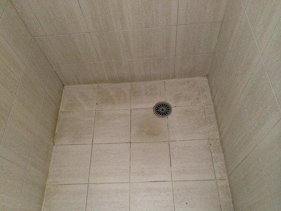 Killara Inn Hotel & Conference Centre: Time for a very good deep clean.
