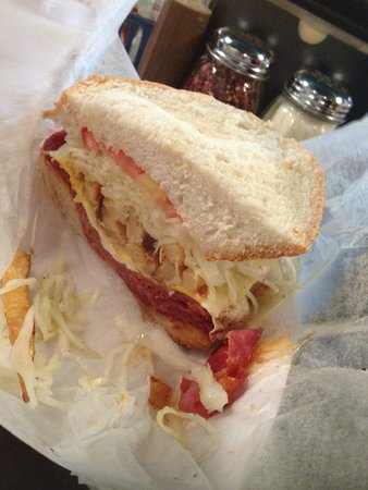 Primanti Brothers Restaurant : Capicola Egg and Cheese
