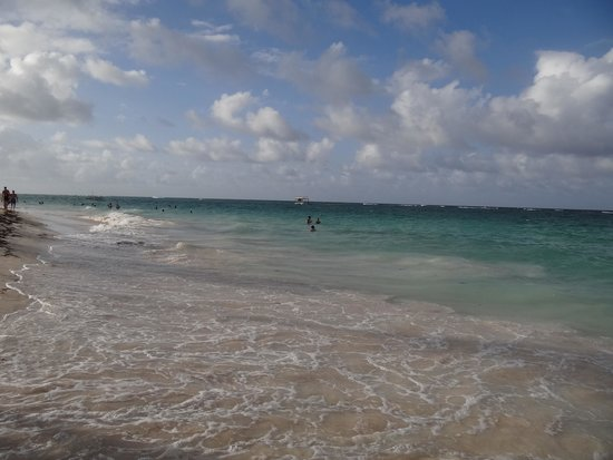 Iberostar Grand Hotel Bavaro : The beach is very calm in front of the hotel