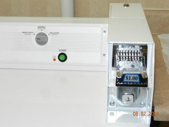 Comfort Inn & Suites: washer/dryer $1.00