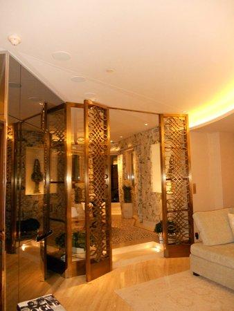 Four Seasons Hotel George V Paris: petite salle à manger