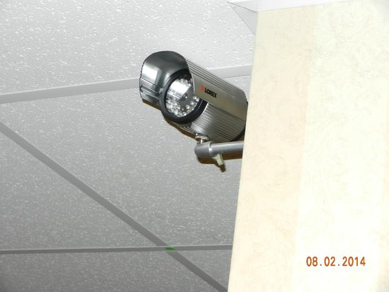 Comfort Inn & Suites: security camera at the hallway