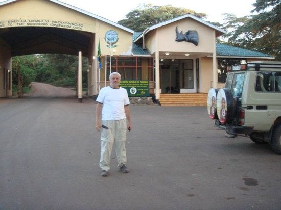 Kilimandscharo-Massiv (Kilimanjaro): Entering the Safari