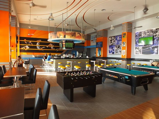 "Hotel Riu Cancun: Sports Bar ""located where Don Juan use to be"""
