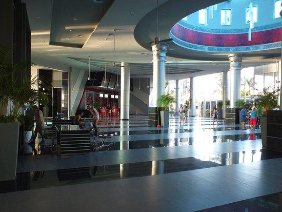 Hotel Riu Cancun: Lobby area