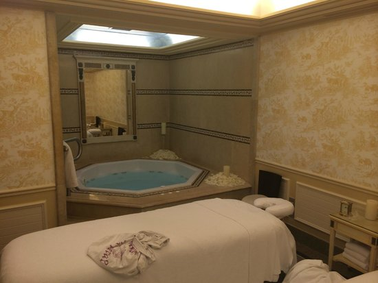 Four Seasons Hotel George V Paris : suite SPA