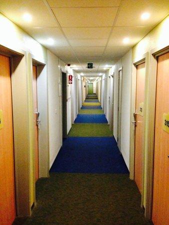 Hotel Ibis Budget Brugge Centrum Station : pasillo