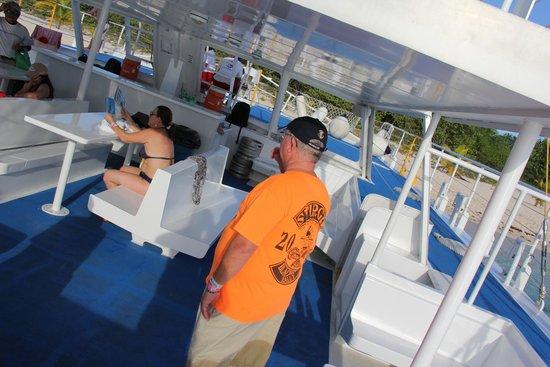 Fury Catamarans - Tours: Chegando lá