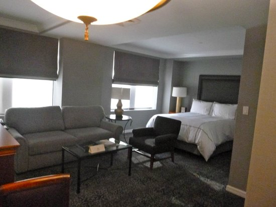 The Manhattan Club: Room #2205