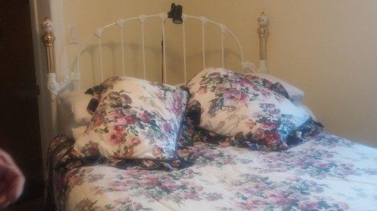 Auld Farm Inn B & B : our room