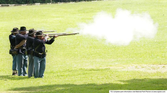 Kennesaw Mountain National Battlefield Park: Historic weapons demonstration