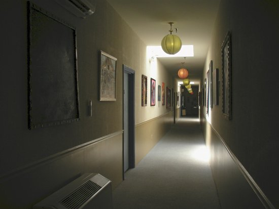Talbot Heirs Guesthouse: Hallway leading to other suites