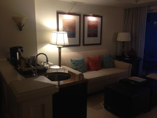 Vero Beach Hotel & Spa - A Kimpton Hotel: The sitting area part of our suite