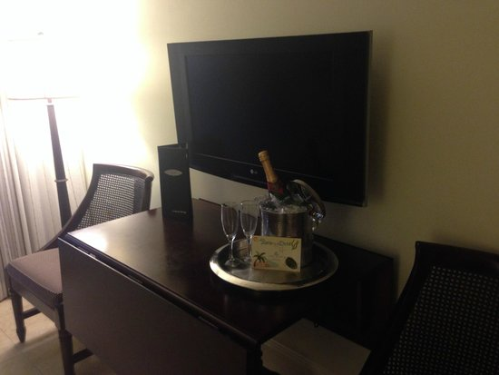Kimpton Vero Beach Hotel & Spa: the tv/table in the sitting area of our suite