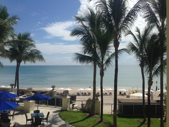 Kimpton Vero Beach Hotel & Spa: Daytime view from our suite