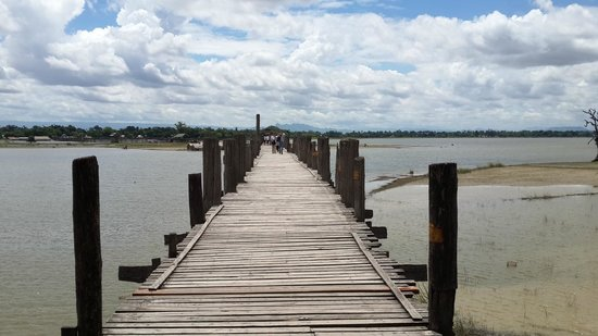 U Bein Bridge: Photogenic view, a place to be for photographers