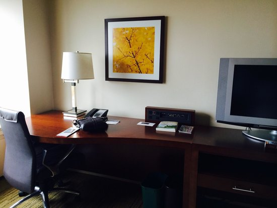 Renaissance Seattle Hotel: Desk