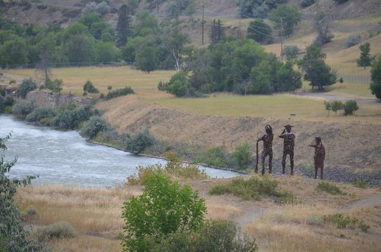 Lewis and Clark Interpretive Center: A sculpture out on the hill overlooking the Missouri River