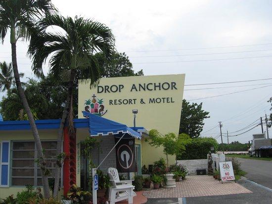 Drop Anchor Resort : Main Entrance