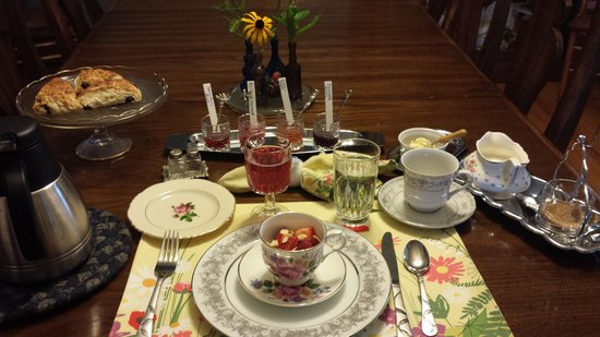 Maple Harris Guest House: Homemade preserves & more!