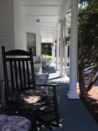 The Colonial Inn Gloucester: The lovely front porch