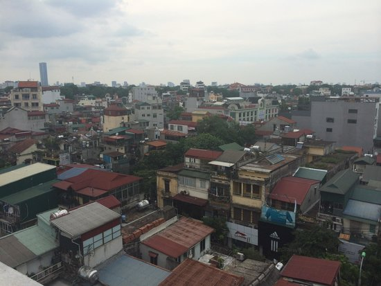 B&B Hanoi Hotel: The view from the 5th and 6th floor at B&B Hanoi